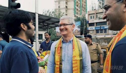 庫克在2016年曾親赴印度