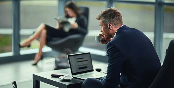 Jabra推出全新商務降噪耳機Engage 50及Evolve 65t